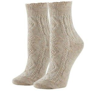 HUE® Lightweight Cable Knit Ankle Boot Socks